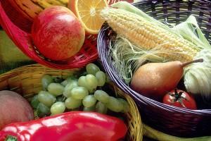 800px-Fruit_and_vegetables_basket